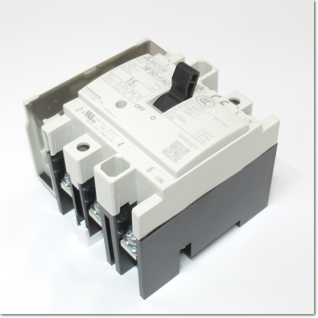 NF30-FAU,3P 15A AX-SLT ノーヒューズ遮断器 補助スイッチ付き (三菱電機)
