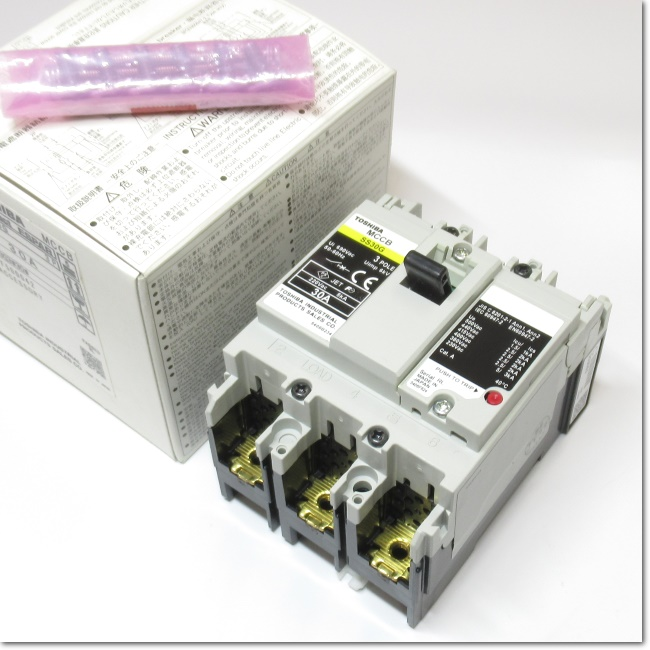 SS30G 3P 30A  ノーヒューズ遮断器 (東芝)