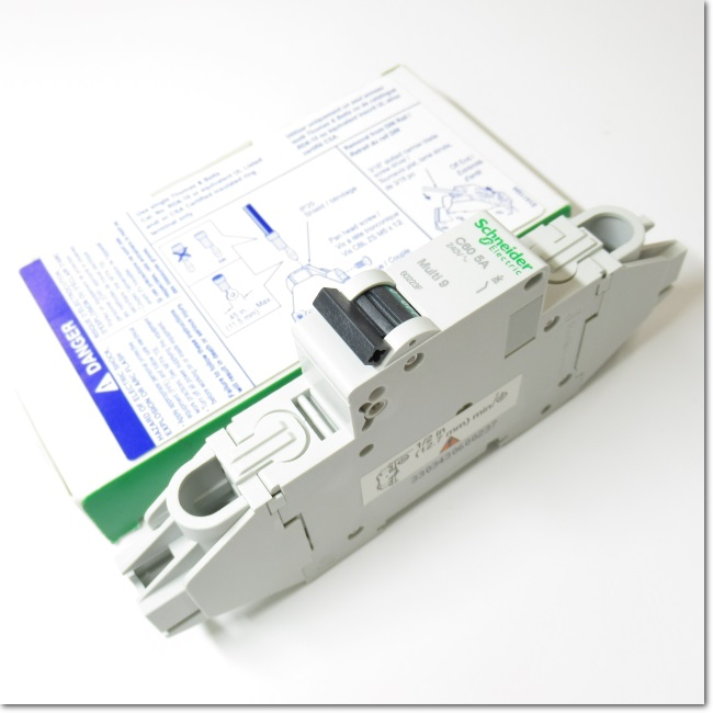 60223F,1P 5A  サーキットブレーカ (Schneider Electric)