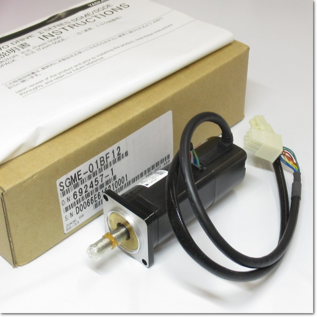 SGME-01BF12  ACサーボモータ 100V 0.1kW (安川電機)