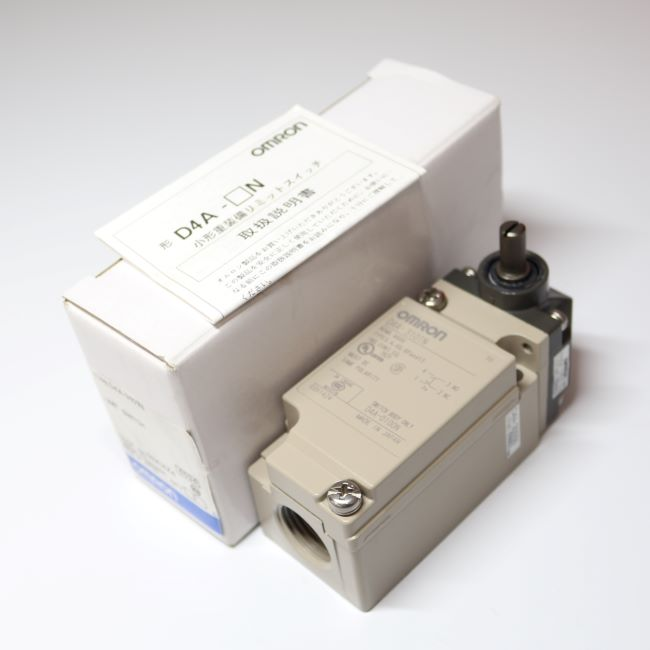 D4A-3101N  小形重装備リミットスイッチ 回転レバー形 1a1b (OMRON)